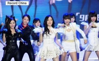 中国のアイドルグループSNH48の5期生メンバーのデビュー公演.jpg